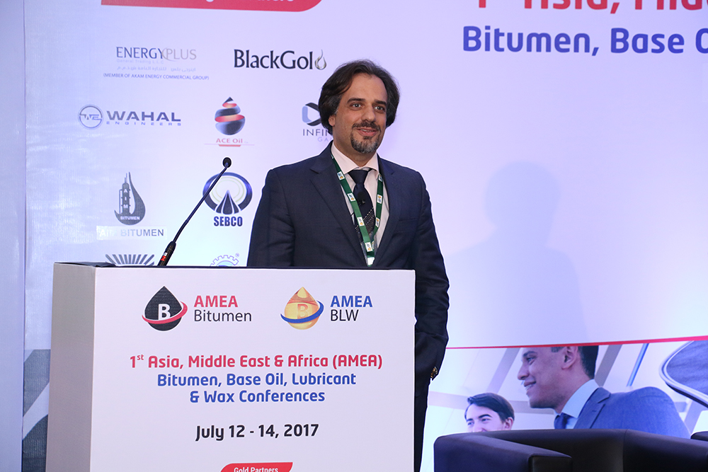 Sessão Base Oil and Wax Overview of Base Oil and Wax Business Between Iran and India Sr. Majid Safdari Commercial Director Vista Energie